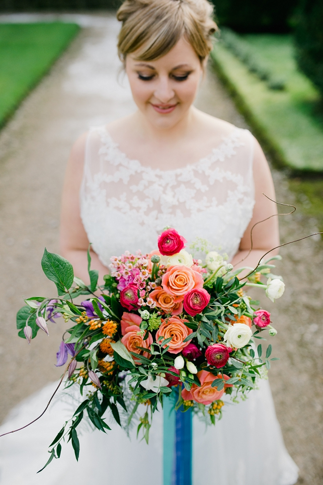 curvy bride with bright colours
