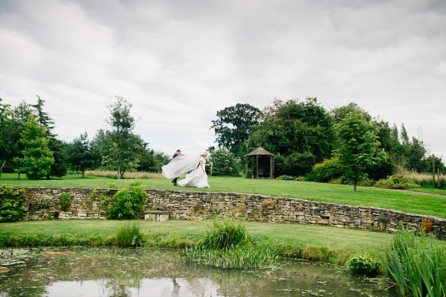 HAMPSHIRE WEDDING PHOTOGRAPHY – A LE SPOSE DI GIO DRESS FOR A GARDEN WEDDING