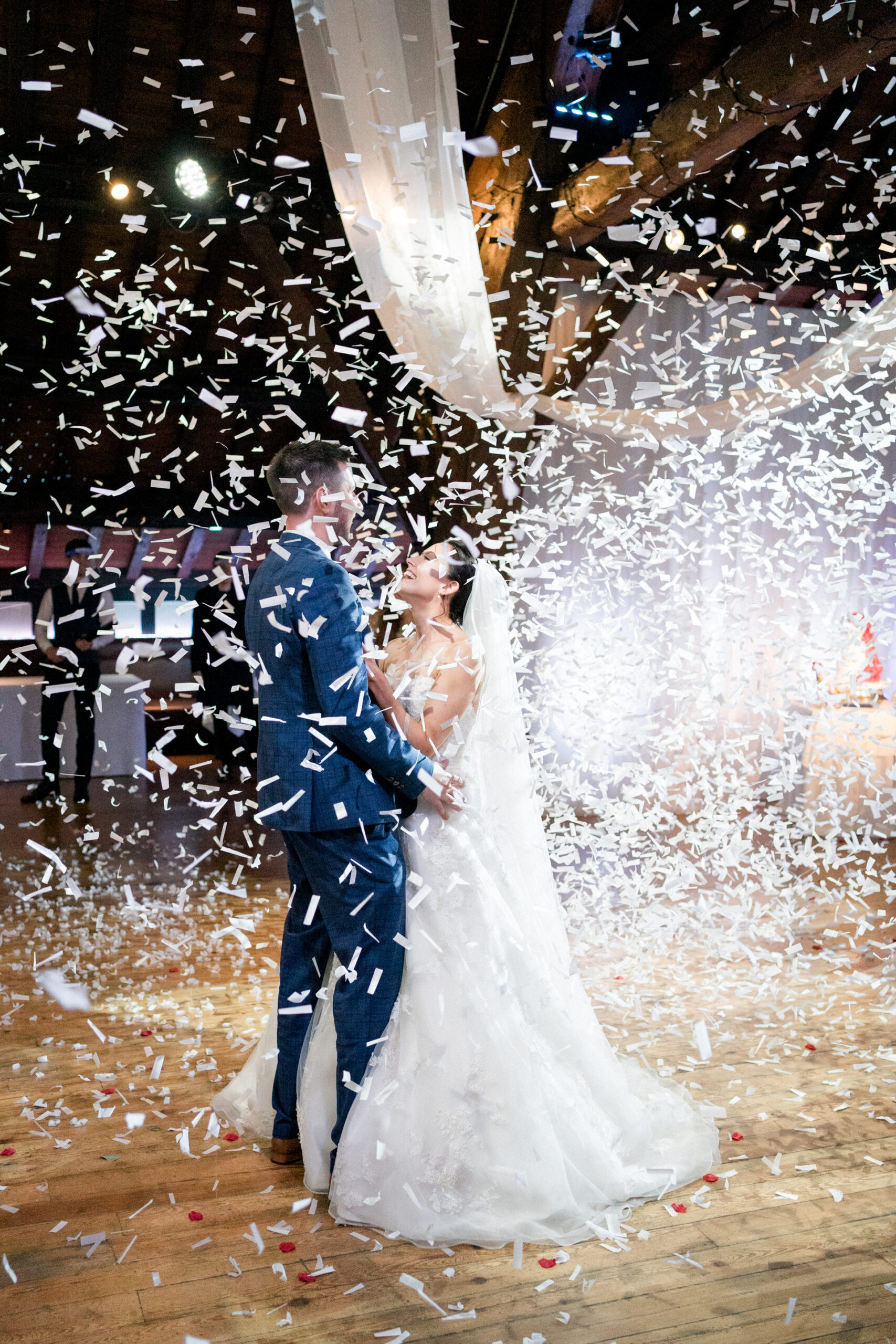 first dance with confetti bomb