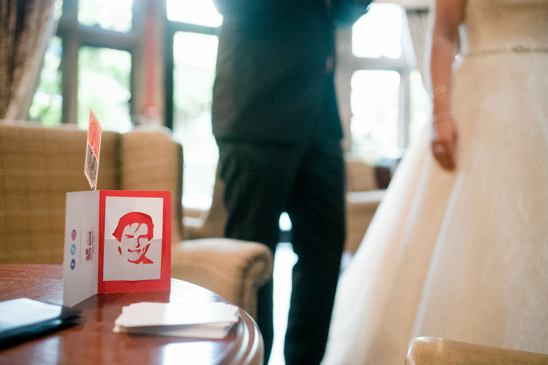 tom cruise cut out from wedding magician
